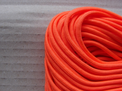 Paracord 550 / neon-orange / Meterware / 1 m